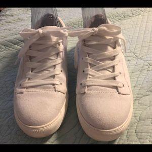 White sneakers by Mia size 9